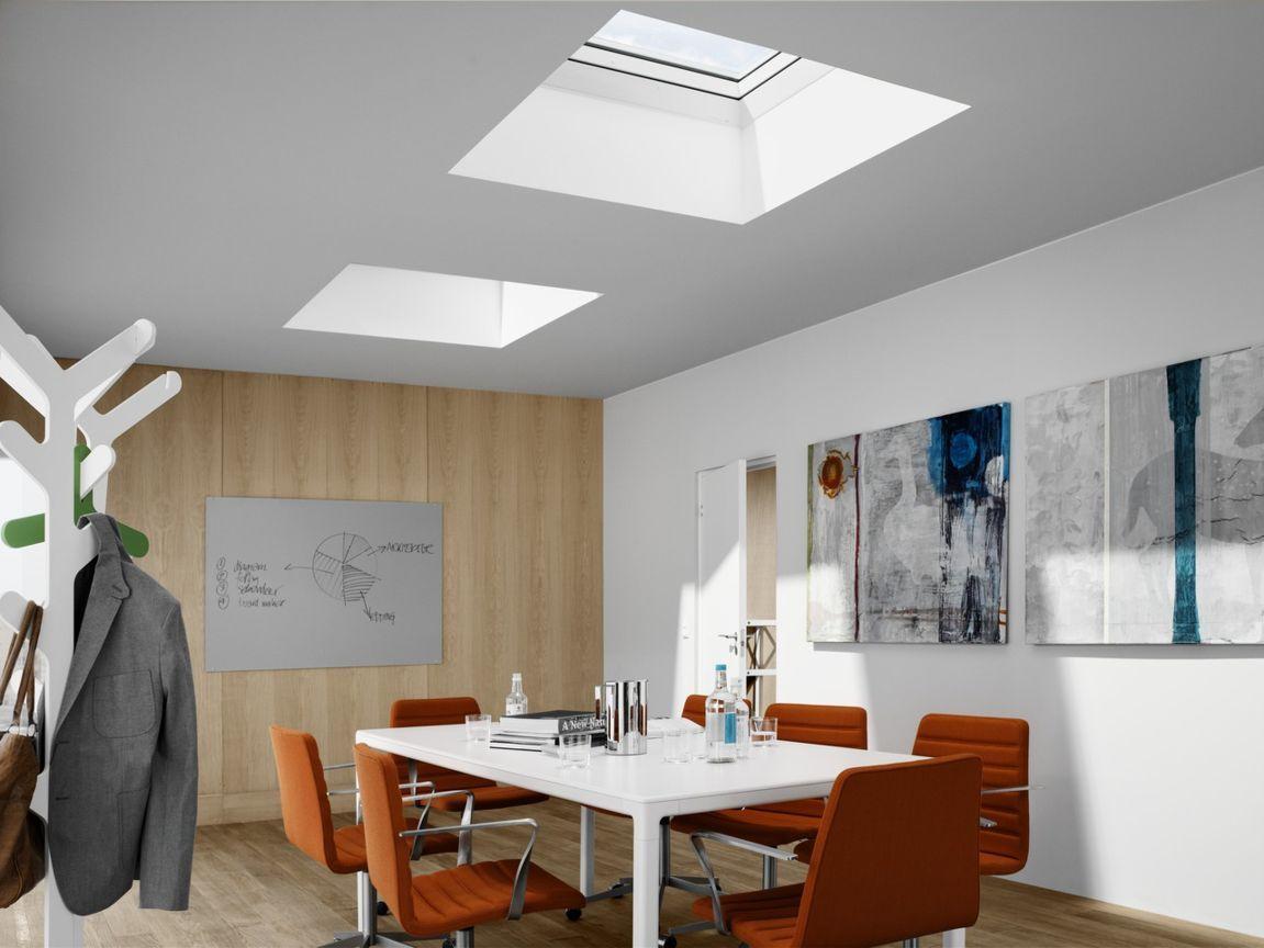 Lucernari e finestre per tetti infissi porte e for Lucernari per tetti