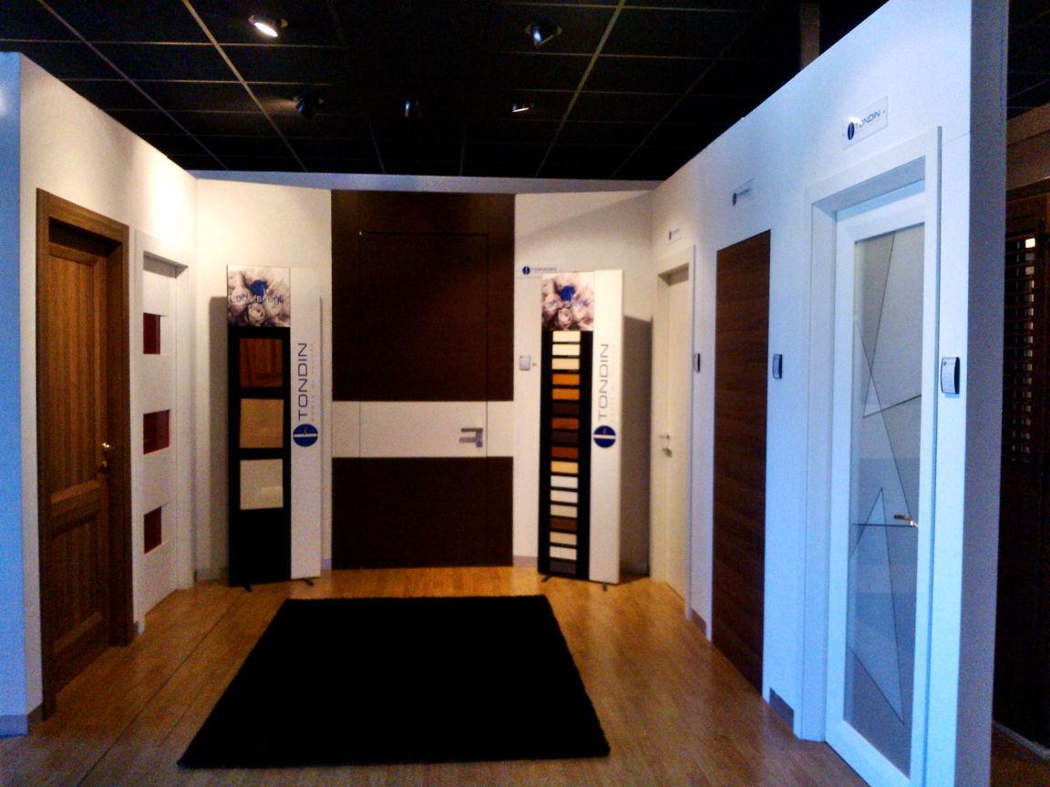 Showroom infissi porte e serramenti tecnoalluminio pagano ruvo di puglia bari - Showroom porte e finestre ...