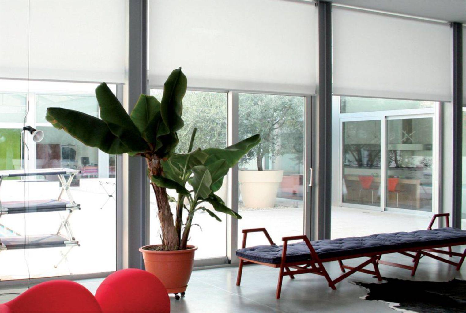 Infissi finestre in alluminio infissi porte e serramenti for Infissi finestre